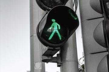 Keywords: car;city;control;green;light;safety;signal;traffic;walk